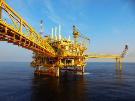 Oil demand to peak in 2040 according to IMF
