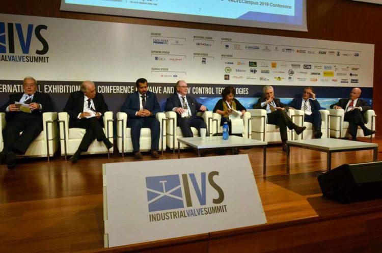 ivs_2019_conferences21-1030×682