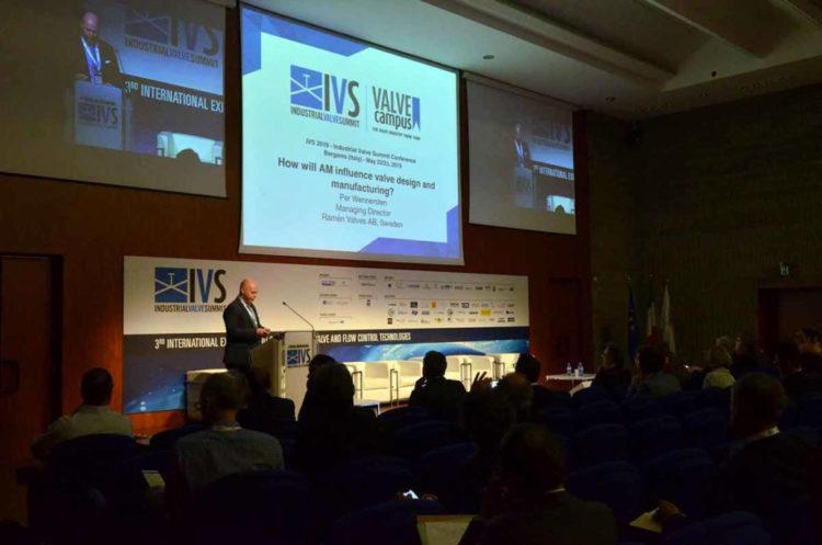 ivs_2019_conferences31-1030×682