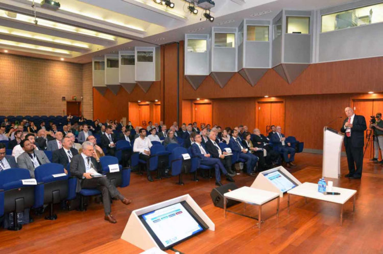 ivs_2019_conferences4-1030×682