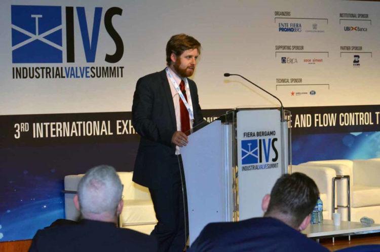 ivs_2019_conferences45-1030×682