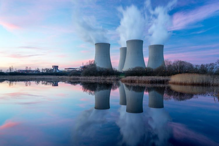France and Iraq talk nuclear energy project